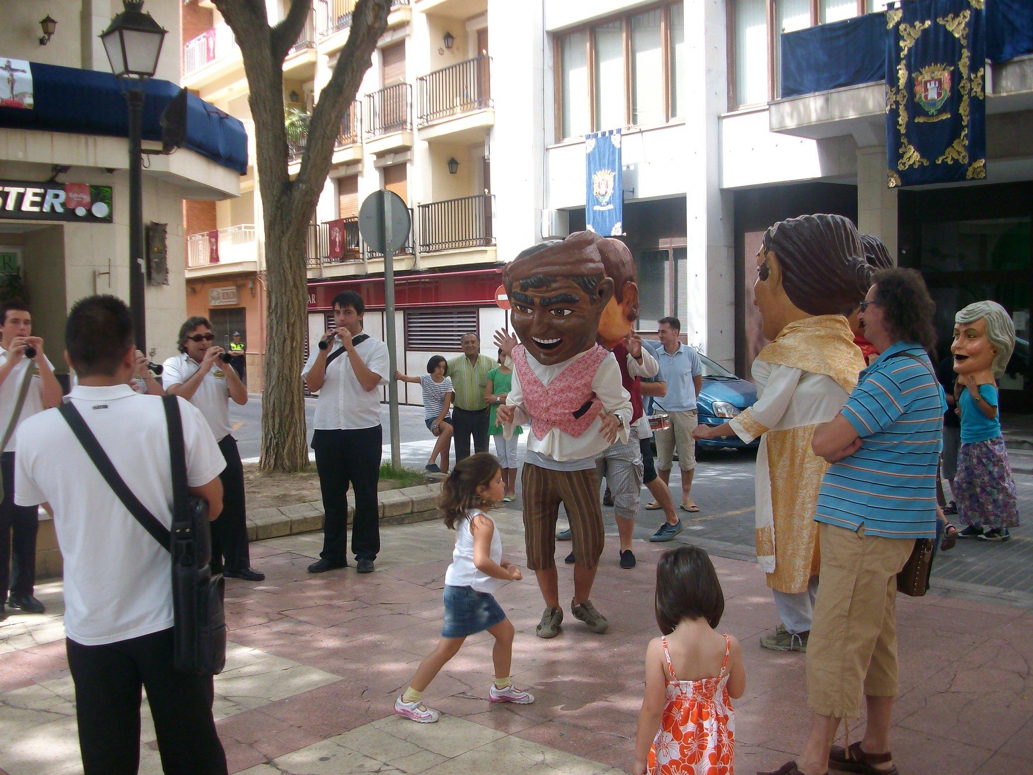 (2010-07-04) - Pasacalle Gent de Nanos - José Vicente Romero Ripoll -  (03)