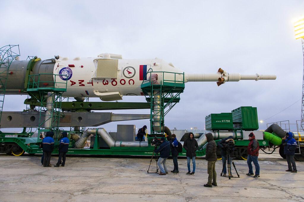 Exp 47 Soyuz Rollout (NHQ201603160013)