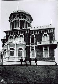 DURAZZO 1925, SOPRA LE COLLINE, IL POSTO DOVE SI E' SCELTO DI COSTRUIRE LA CASA DELLE VACANZE DEL PRIMO MINISTRO, AHMET ZOGU.