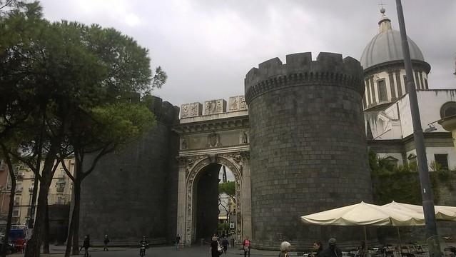 Napoli - Porta Capuana
