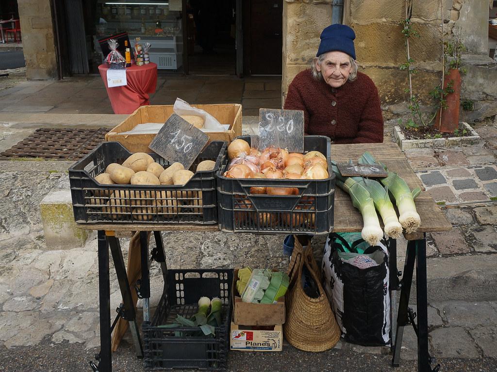 Market vendor. © 2016 Monica Frisk