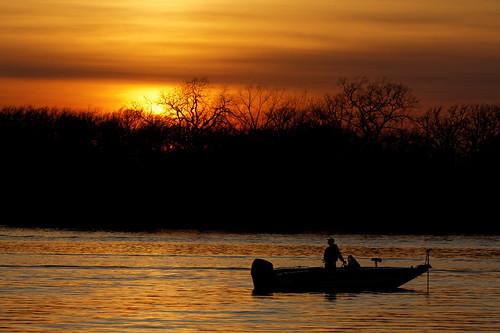 fisherman foxriver walleye depere deperewisconsin