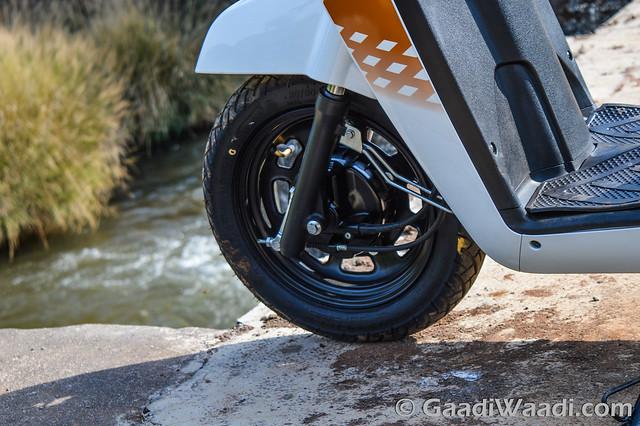 Mahindra Gusto 125 Test Drive review-7