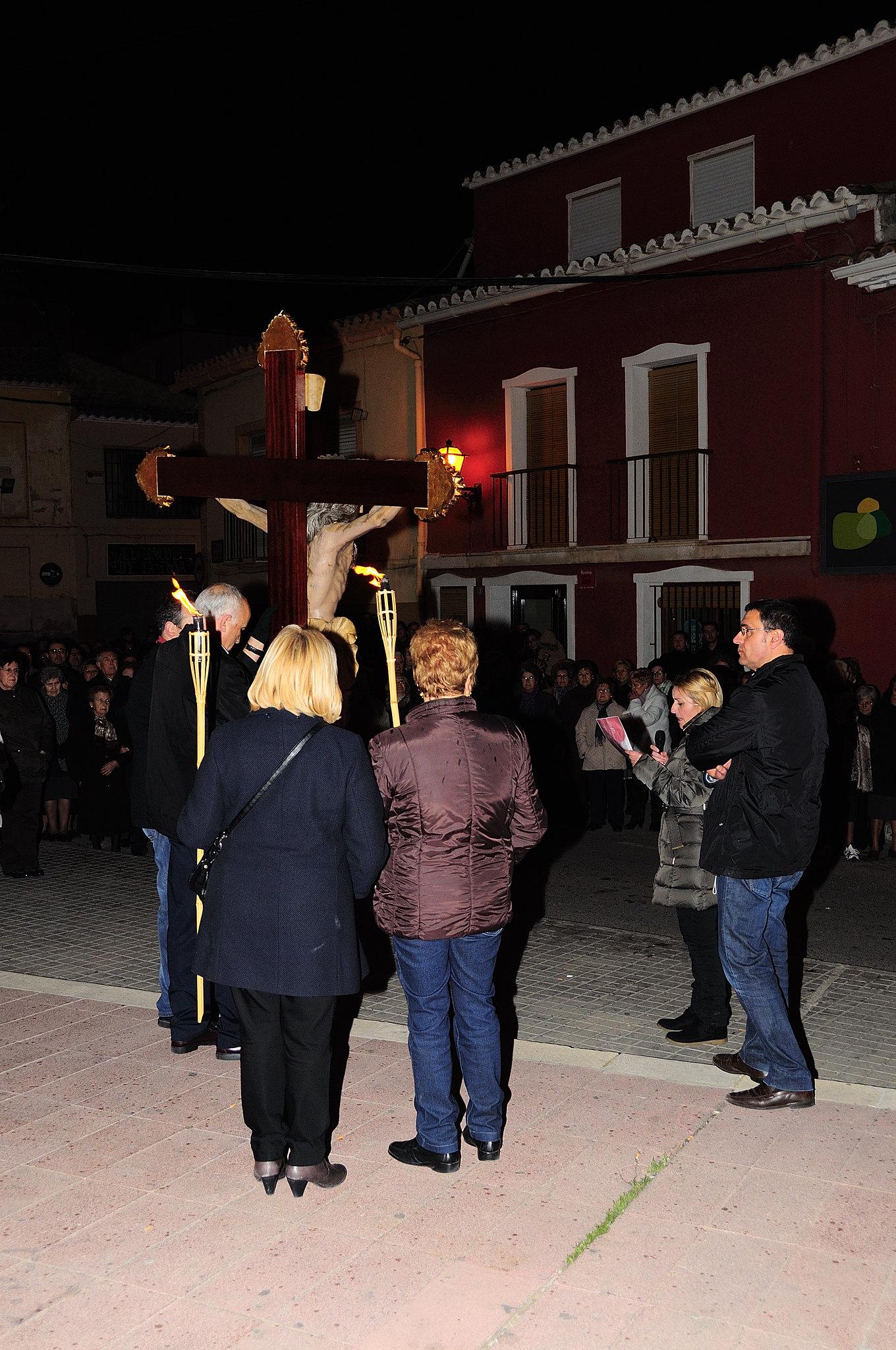 (2013-03-22) - IV Vía Crucis nocturno - Abraham de la Rosa (02)
