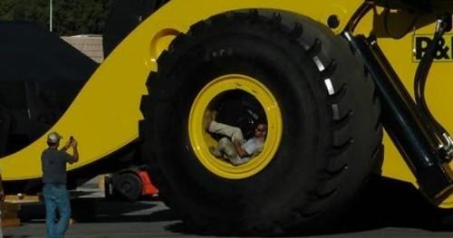 Biggest wheel loader in the world 70 yard super high lift ...