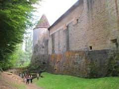2011 08 15 Francia - Aquitania - Landes - Losse - Castello - Fossato_0130