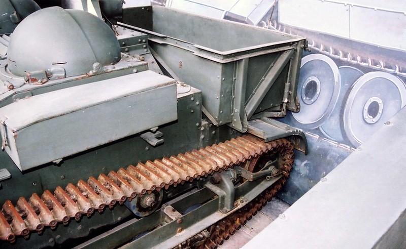 ルノー UE Tankette8
