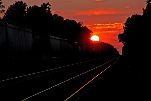 sunset sunsets railroadtracks norfolksouthern sunandclouds sunsetphotography olmstedfallsohio norfolksoutherntrains nschicagoline railfanninginolmstedfallsohio