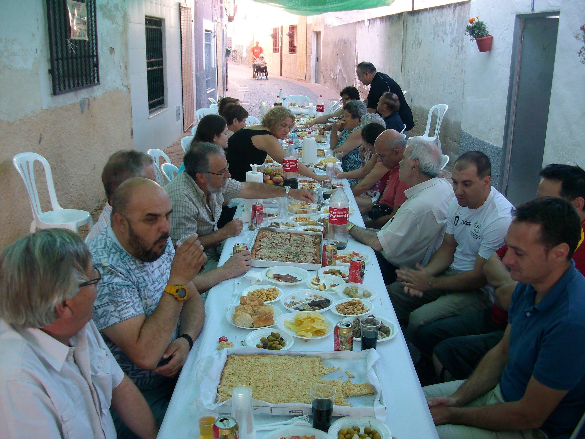 (2012-07-01) - Almuerzo calle del Cristo - José Vicente Romero Ripoll (28)