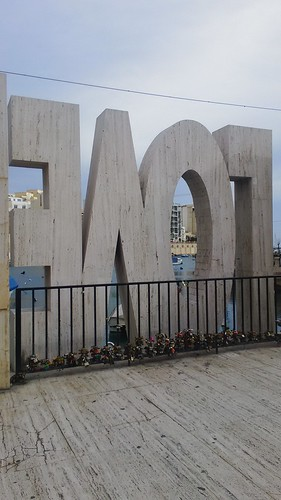 Love Monument Spinola Bay | by S I C A N I A