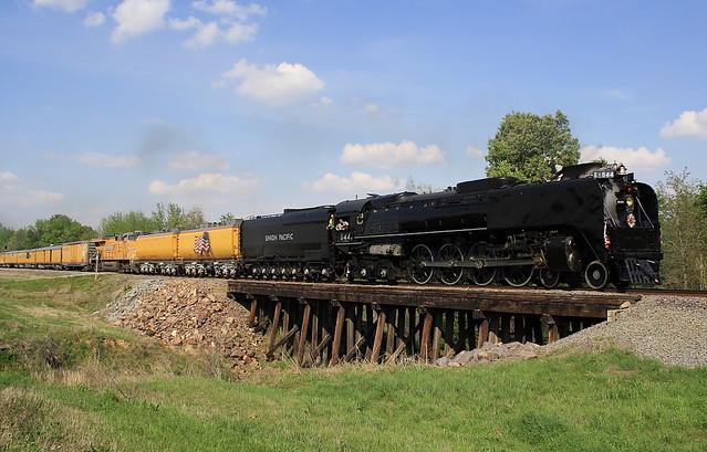 Union Pacific 844   Shiloh Limited Harrisburg, Arkansas
