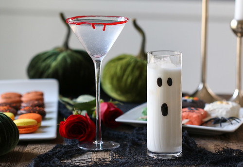 Halloween cocktails with macarons and roses | by Berries.com