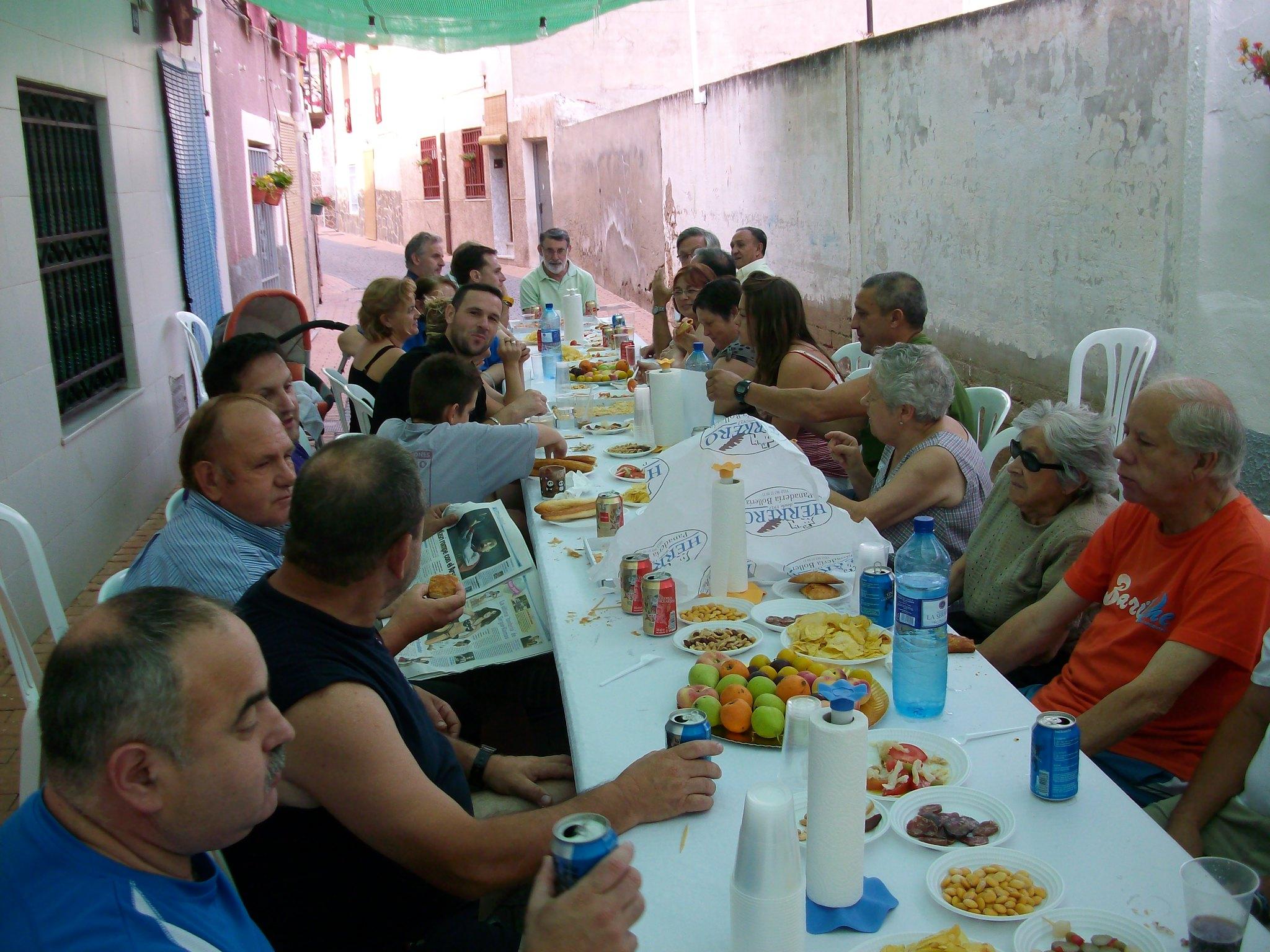 (2011-07-03) Almuerzo calle Cristo - José Vicente Romero Ripoll (05)