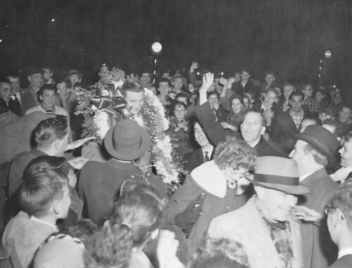 Dickie Moore welcomed at Windsor Station in 1956 | by SHPEHS