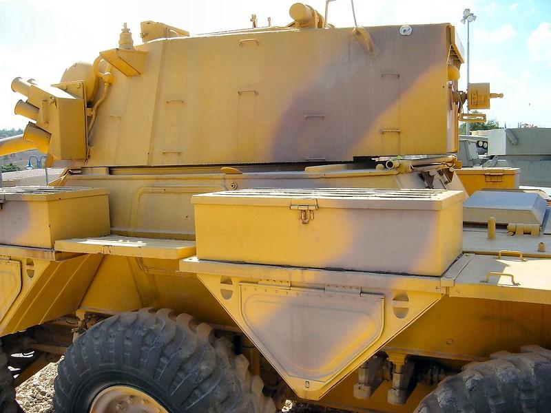 装甲車サラディン9