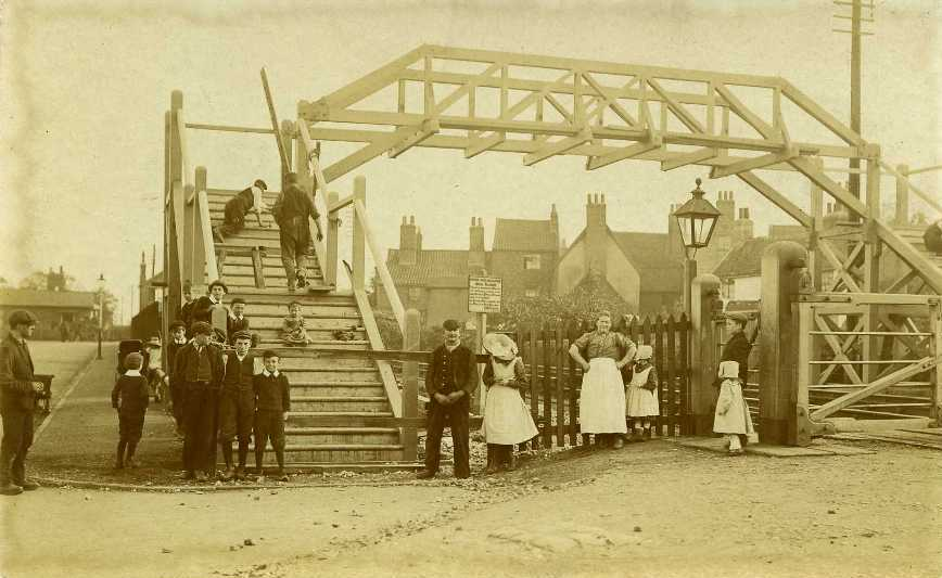 Footbridge over railway, near Armstrong Way, Beverley  1911 (archive ref PO-1-14-175)