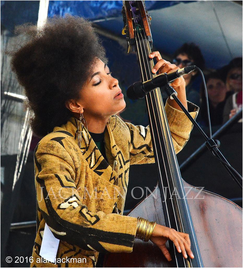 Bass Players are Muy Simpatica, Esperanza Spalding, Espera… | Flickr