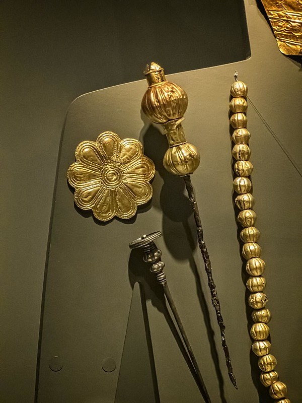 Gold brooches and necklace of a high priestess and wife of a Bottiaean ruler Greek 540 BCE