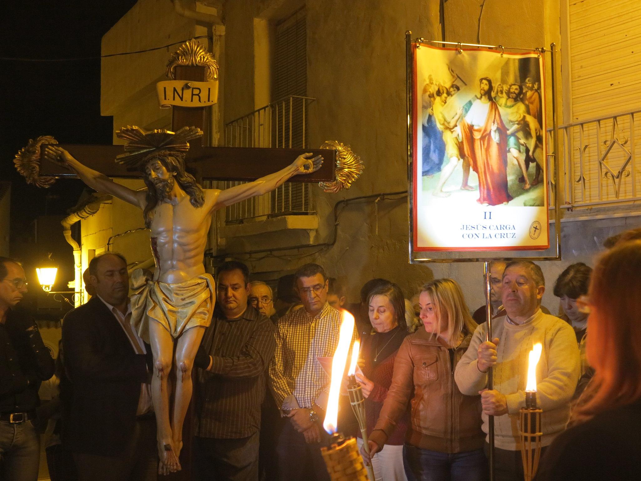 (2014-04-01) - V Vía Crucis nocturno - Antonio José Verdú Navarro (16)
