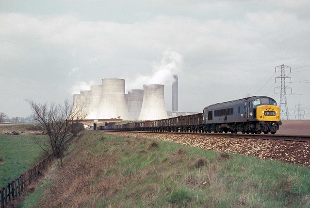 Ratcliffe on Soar Class 46 D186 up freight April 69 J1642