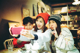 Three women at Purr's cafe | by Mr.Sai