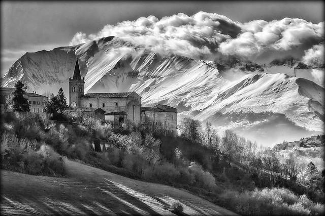 Falerone in black & white