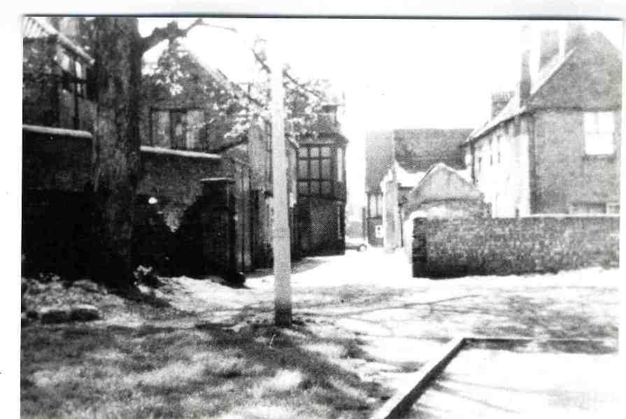 Wylie's Lane, Beverley 1950 (archive ref DDX1525-1-12)