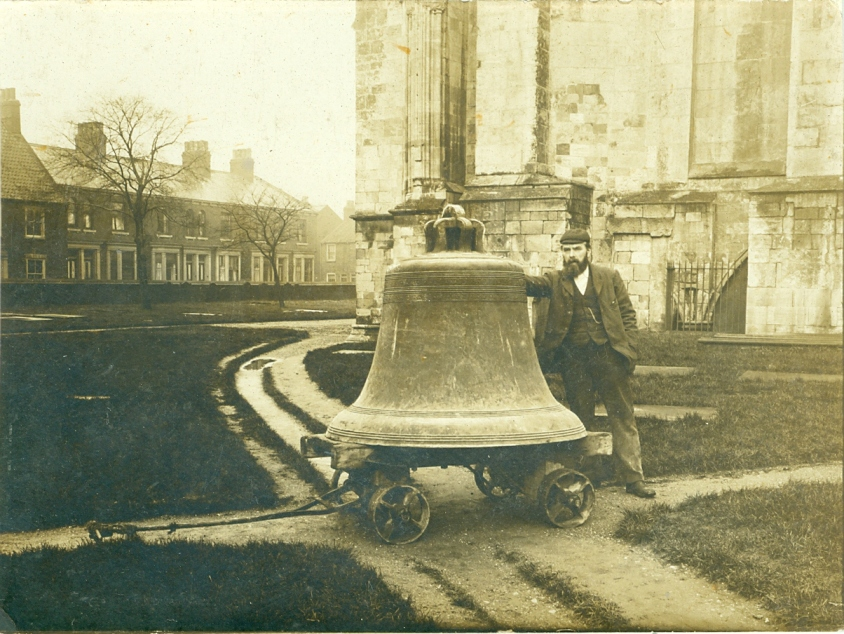 Beverley Minster's  'old dead bell' c.1900 (archive ref PH-5-1)