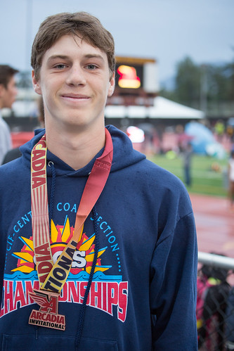 Kent medaled in the seeded 3200m race (4th place) | by Malcolm Slaney