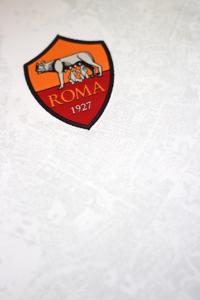 e77182318b4 AS Roma 2015/16 away kit | The AS Roma badge on their 2015/1… | Flickr