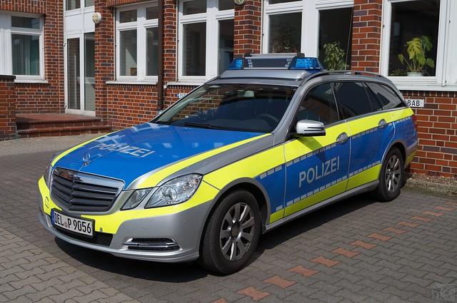 NI_DEL_PI_mFuStw BAB_Mercedes-Benz E-Klasse (S212) T-Modell, 250 CDI_bsg_a_1