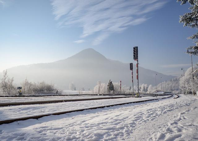 Parnica railway station