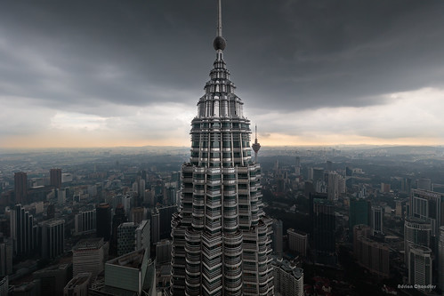 city urban building tower metal skyline architecture modern skyscraper canon grey cityscape afternoon exterior cloudy outdoor petronas towers overcast structure chrome malaysia adrian kuala kualalumpur chandler kl stucture lumpur my wilayahpersekutuankualalumpur adrianchandler canon5dsr 5dsr