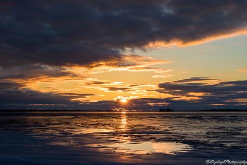 winter sky lake cold ice sunrise river landscape soleil hiver horizon riviere coucher lac ciel nuage glace gele