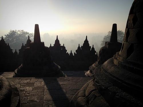 morning backlight sunrise indonesia temple java unesco yogyakarta borobudur worldheritage iphone borobudurtemple peterch51