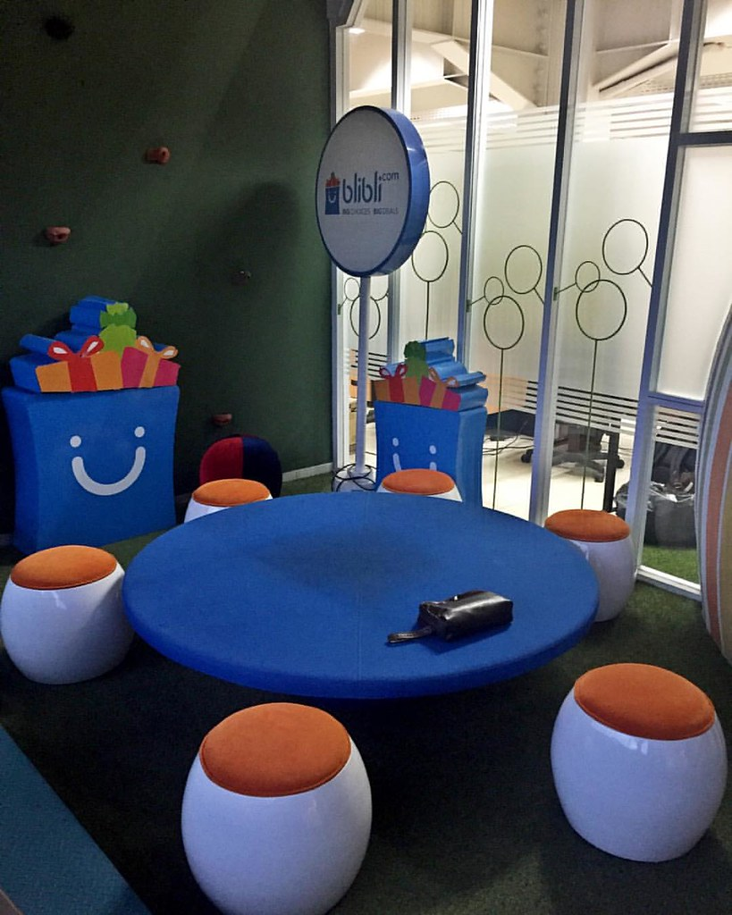 Blibli.com Office Lounge Area Design By Onwoods Interior W ...