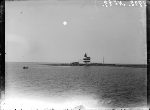 Märket; majakkasaari mereltä nähtynä | by KansallisarkistoKA