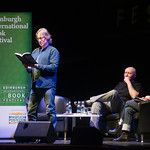 Robert Carlyle reads from The Blade Artist | © Alan McCredie