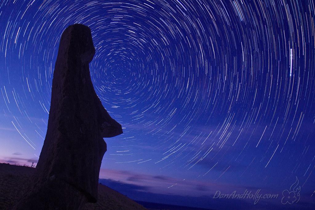 Star Trails and a Moai