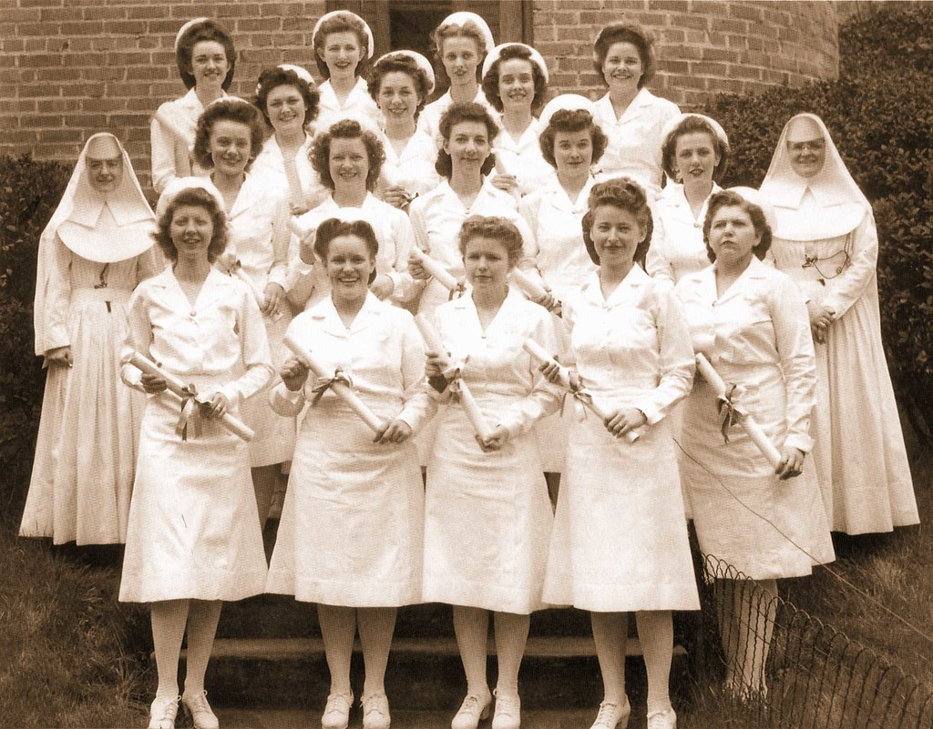 Mercy School Of Nursing >> Sisters Of Mercy School Of Nursing Diploma Rn Graduates At
