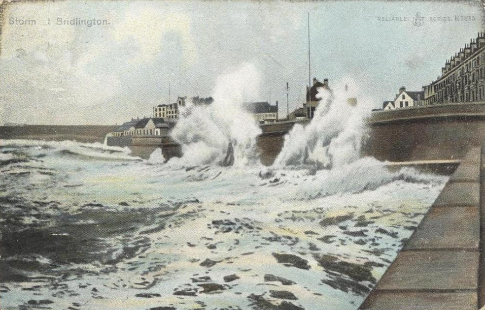 Storm at Bridlington 1905 (archive ref PO-1-20-126)