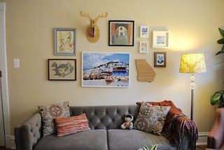 gallery wall | by Pamplemousse Blog