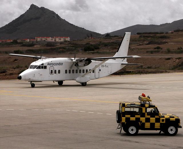 Cacharro en el que nos fuimos de vuelta de Porto Santo hasta Madeira. Lo curioso es que volaba y todo. 13 de Septiembre de 2006