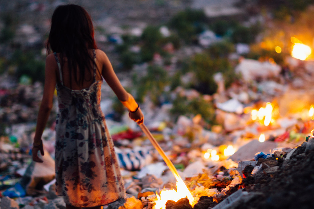 Girl Starting Trash Fire, Cebu City Philippines | Taken at L… | Flickr