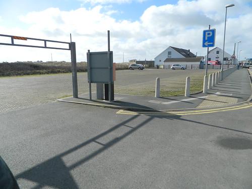 030 car park Lon Isallt