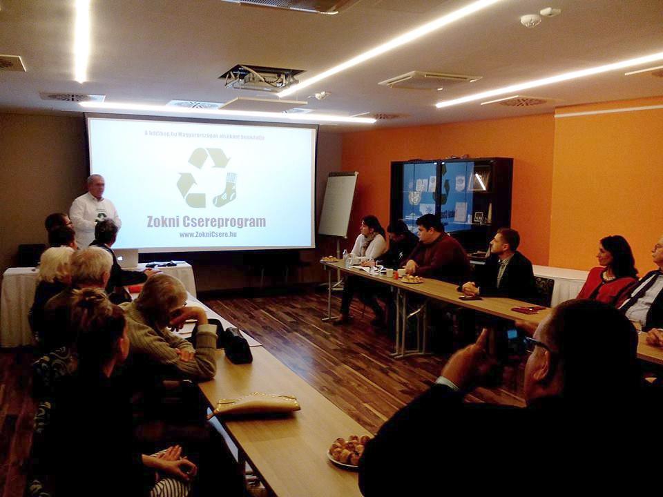 A Zokni Csereprogram eddigi eredményeiről tartott előadást Csányi Zoltán, a kezdeményezés ötletgazdája.