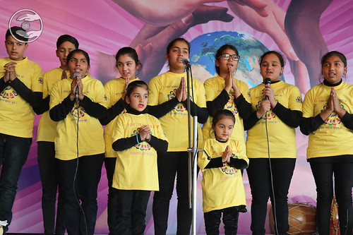 Devotional song by Preet and Saathi from Gobindgarh