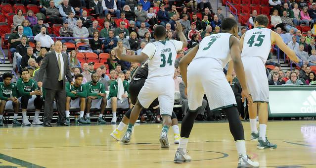 Men's Basketball vs Milwaukee 2-15-16