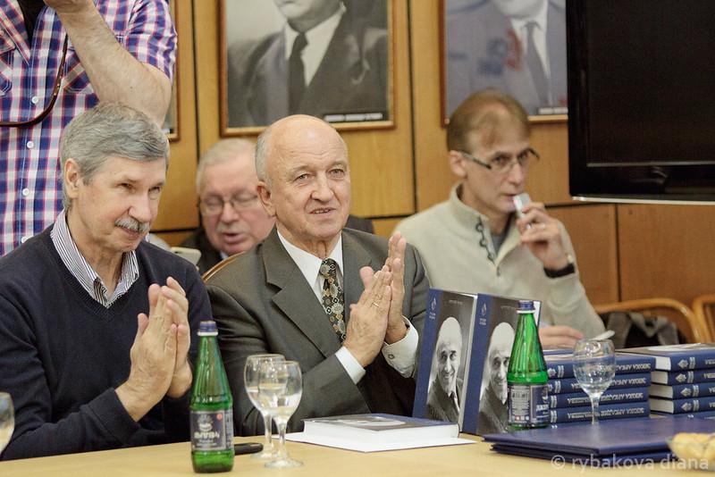 слева-пильгуй-владимир-м-(2)