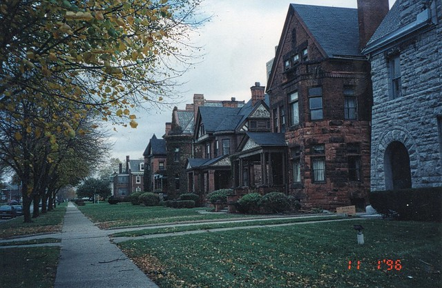 Detroit Michigan ~ East Ferry Avenue Historic District ~ Walkng Tour